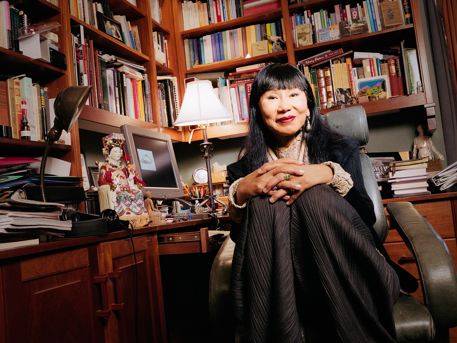 a biography of amy tan and brief analysis of her works Amy tan amy tan was born in 1952, in oakland, california to chinese immigrants john and daisy tan her family eventually settled in santa clara when tan was in her early teens, her father and one of her brothers died of brain tumors within months of each other.